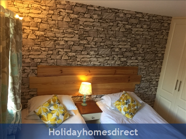 Kilcloon Self Catering Holiday Cottages: Twin bedroom