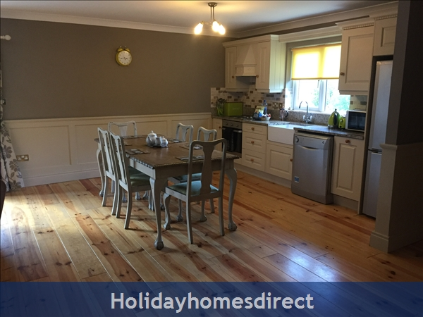 Kilcloon Self Catering Holiday Cottages: Kitchen dining area