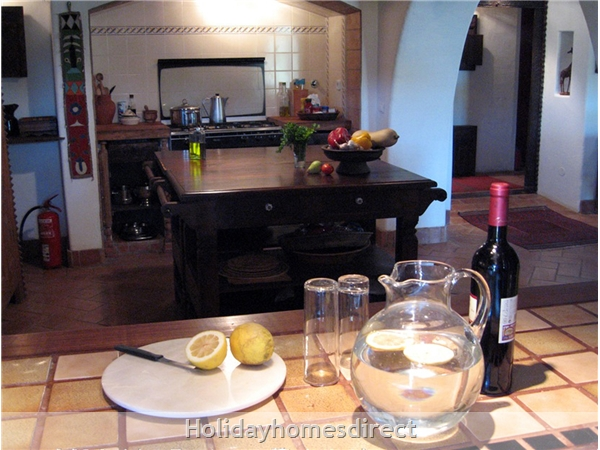 Quinta De Oxalá - Country House With Pool: Serving Fresh Lemon Squash from Kitchen Window