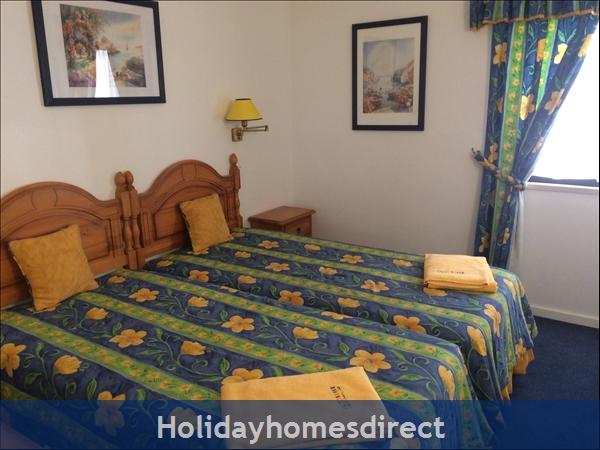 Alto Country Club: Bedroom 2