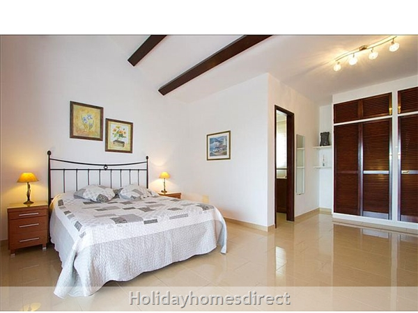 Villa Celeste master bedroom in Lanzarote