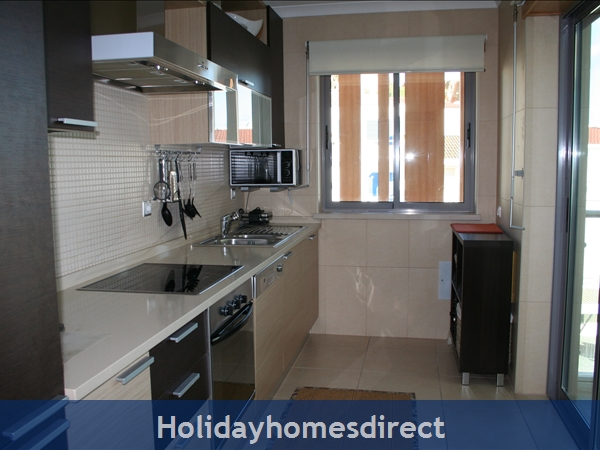 Sea-view Apartment Sereia 1 - Great Location By The Beach In Olhos D'agua: Image 6