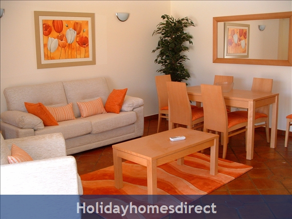 Domusiberica Villa 3. Burgau.  With 3 Bedrooms.. Private Pool, Sea View And Walk To The Beach.: Image 7