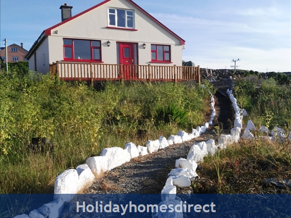 Tighvaney House Inishmaan - 5 bedroom house - Aran Islands - Panoramic Views