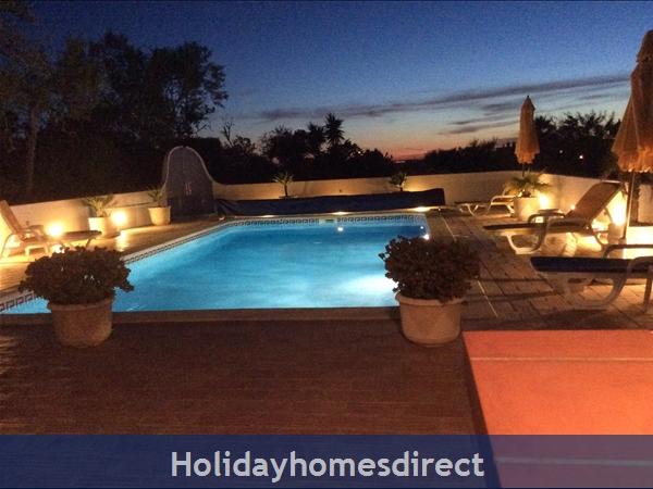 Villa Cara Mia: Sunset and the Pool Terrace Area