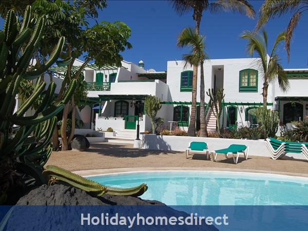 Rocas Negras Apartments: Swimming pool