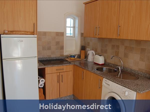 Rocas Negras Apartments: Kitchen