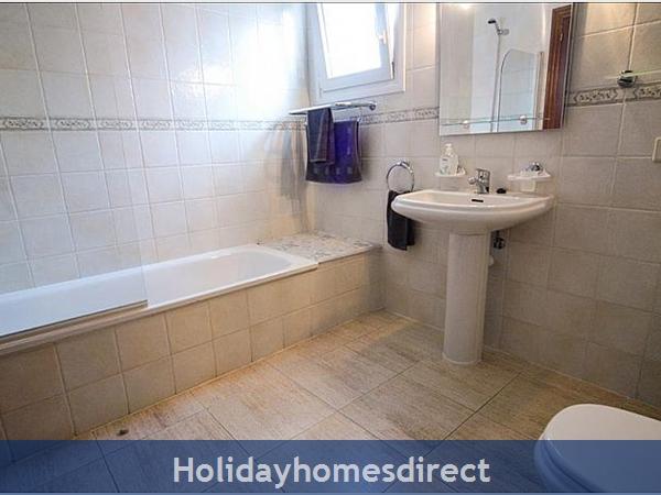 Villa Carol bathroom and sink