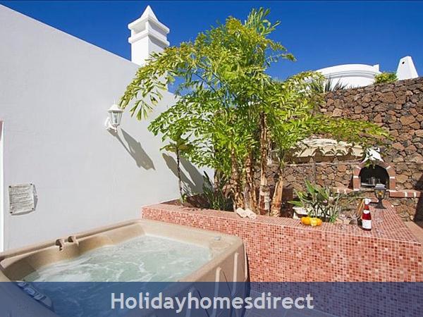 Villa Antares, Puerto Del Carmen, Lanzarote: Image 3