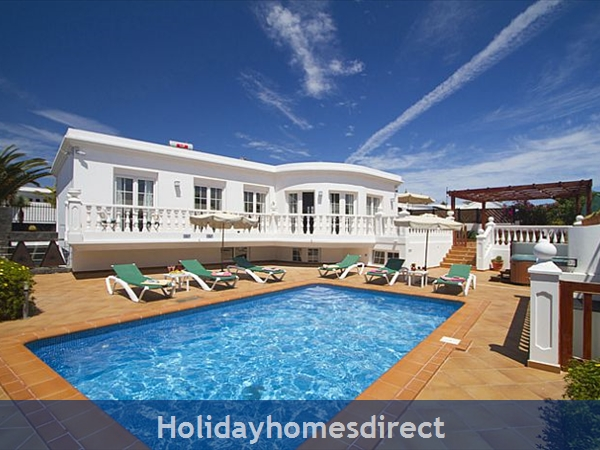 Villa Natalia with Private Pool, Puerto Del Carmen, Lanzarote