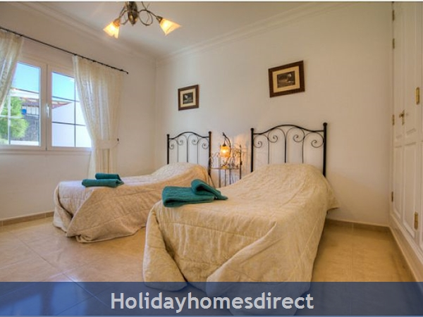 Villa Ariana two singled beds in Lanzarote