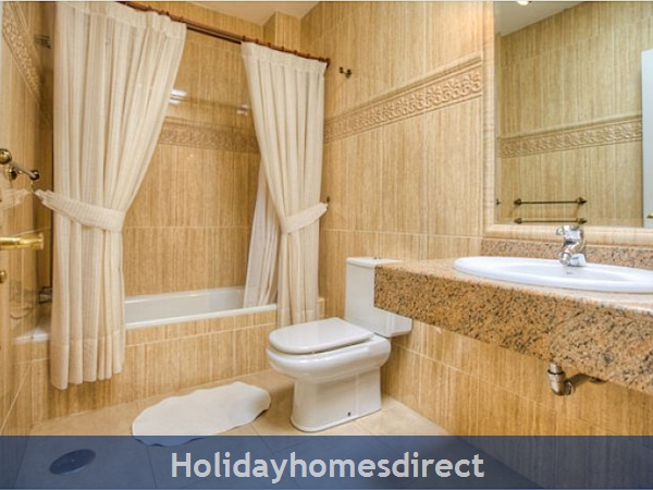 Villa Ariana bath and shower  in Lanzarote