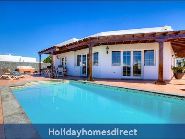 Villa Ariana Private swimming pool