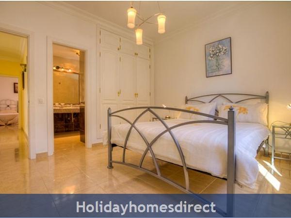 Villa Ariana double bed in Lanzarote