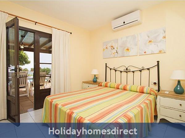 Villa Corona master bedroom and terrace