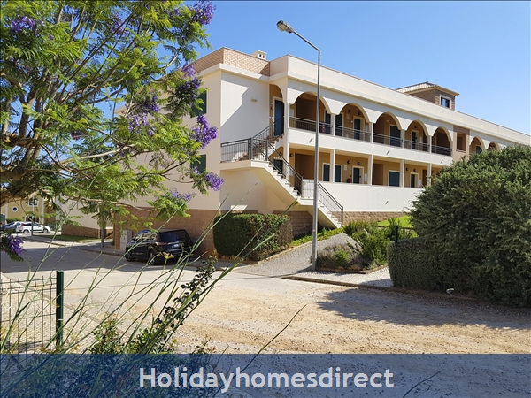 DomusIberica Apartment FD.. in Burgau village walk to everywhere including the beach.