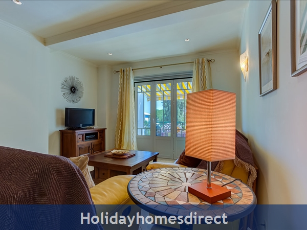 Parc Pinhal H A Superb First Floor Family 2 Bedr Apartment With Pool, Walking Distance Falesia Beach, Restaurants & Bars (77208/al): Lounge Area