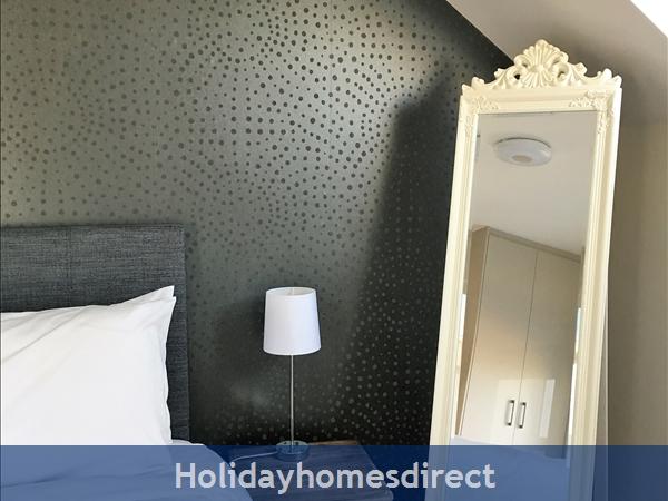 2 Ballynoe Mews (ballynoe House): Gable End Bedroom