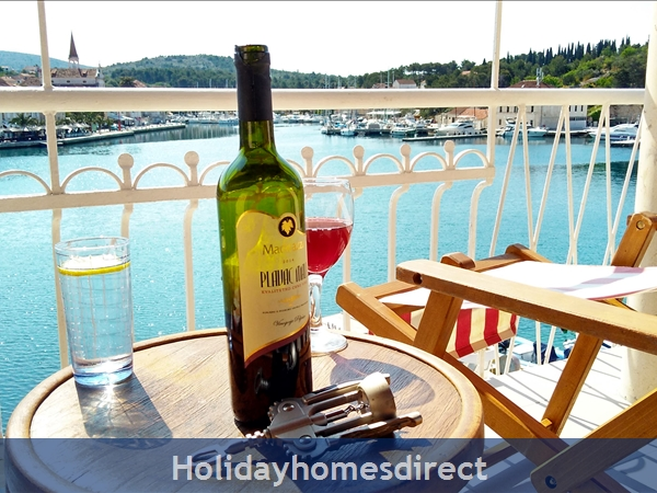 Pretty 3 Bedroom Seaside Villa In Milna, Brac Island (bc009): Image 3