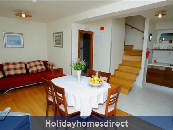 Superb 4 Bedroom Villa In Splitska, Brac Island (bc023): Image 5