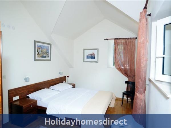 Superb 4 Bedroom Villa In Splitska, Brac Island (bc023): Image 7