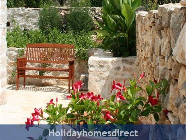 3 Bedroom Stone House With Pool In Mirca On Brac Island (bc027): Image 7