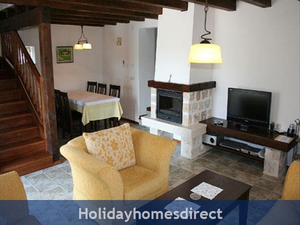 3 Bedroom Stone House With Pool In Mirca On Brac Island (bc027): Image 5