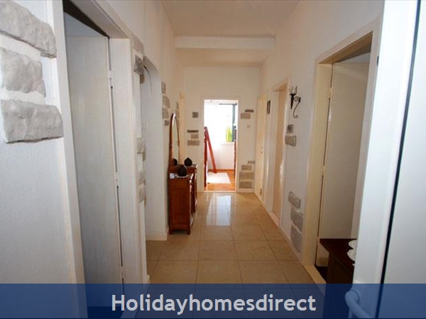 4 Bedroom Sea Front Villa With Pool In Postira, Brac Island, Sleeps 8 (bc053): Image 7