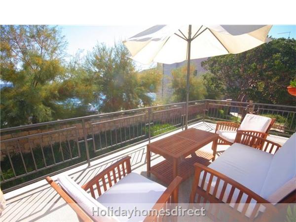 4 Bedroom Sea Front Villa With Pool In Postira, Brac Island, Sleeps 8 (bc053): Image 2