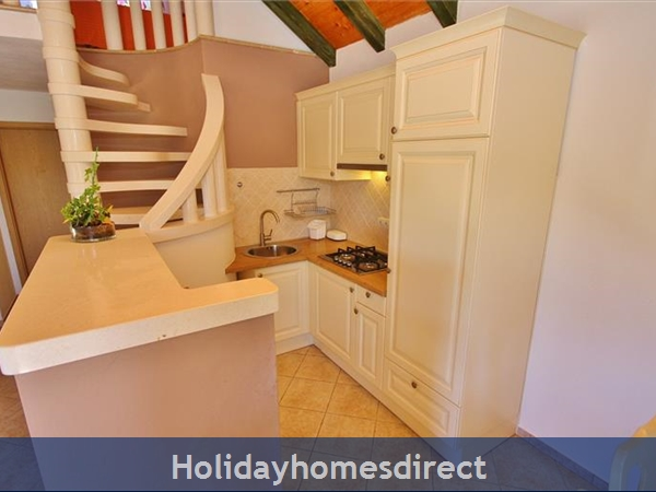 Two Bedroom Villa With Pool And Sea Views On Brac Island, Sleep 4-6 (bc055): Image 6