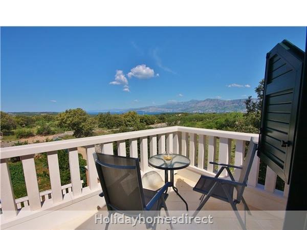 Two Bedroom Villa With Pool And Sea Views On Brac Island, Sleep 4-6 (bc055): Image 19