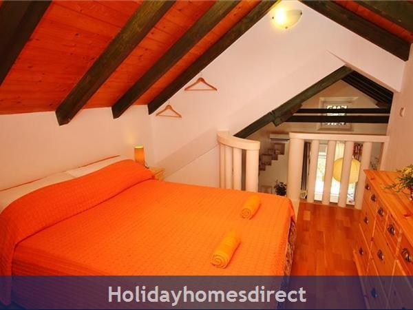 Two Bedroom Villa With Pool And Sea Views On Brac Island, Sleep 4-6 (bc055): Image 21