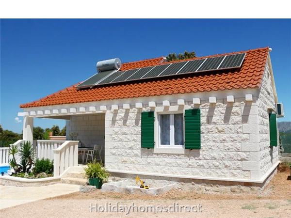 Two Bedroom Villa With Pool And Sea Views On Brac Island, Sleep 4-6 (bc055): Image 24