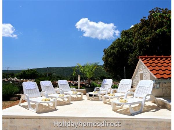 Two Bedroom Villa With Pool And Sea Views On Brac Island, Sleep 4-6 (bc055): Image 13
