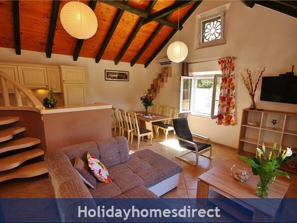 Two Bedroom Villa With Pool And Sea Views On Brac Island, Sleep 4-6 (bc055): Image 8