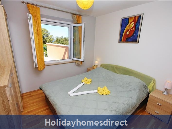 Two Bedroom Villa With Pool And Sea Views On Brac Island, Sleep 4-6 (bc055): Image 4