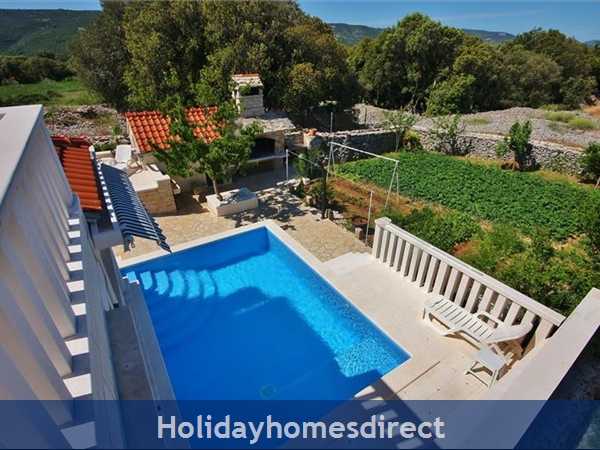Two Bedroom Villa With Pool And Sea Views On Brac Island, Sleep 4-6 (bc055): Image 3