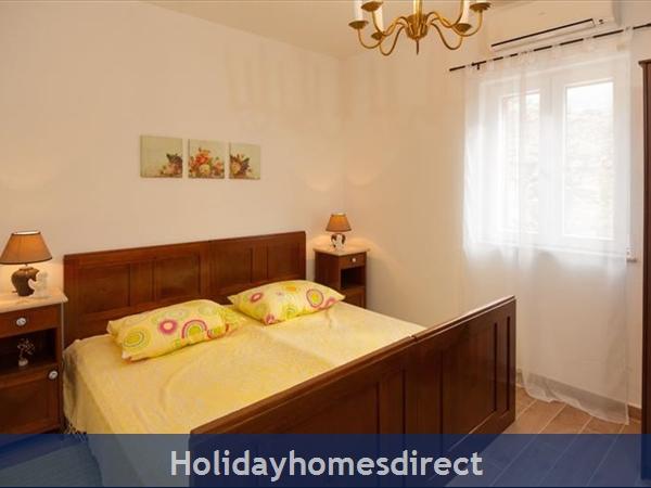 3 Bedroom Villa With Pool And Sea Views In Milna, Brac Island (bc066): Image 5