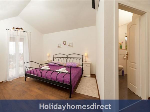 3 Bedroom Villa With Pool And Sea Views In Milna, Brac Island (bc066): Image 7