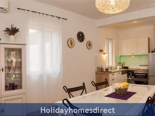 3 Bedroom Villa With Pool And Sea Views In Milna, Brac Island (bc066): Image 9