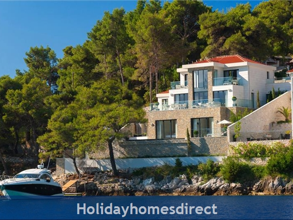 Spectacular 4 Bedroom Luxury Villa With Infinity Pool On Brac Island, Sleeps 8 (bc068): Image 4