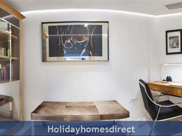 Spectacular 4 Bedroom Luxury Villa With Infinity Pool On Brac Island, Sleeps 8 (bc068): Image 22