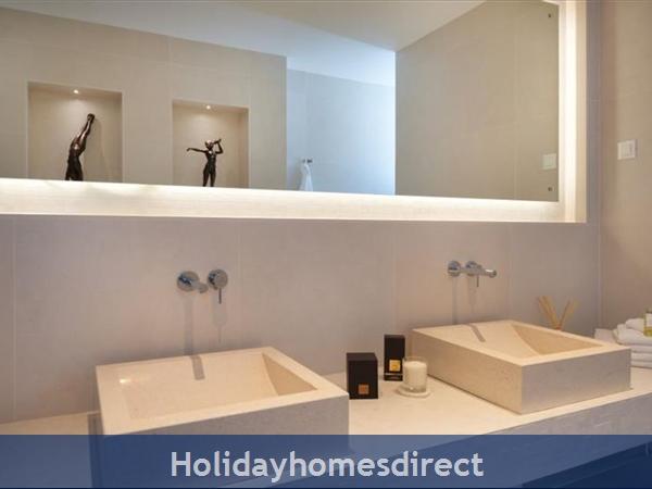Spectacular 4 Bedroom Luxury Villa With Infinity Pool On Brac Island, Sleeps 8 (bc068): Image 14