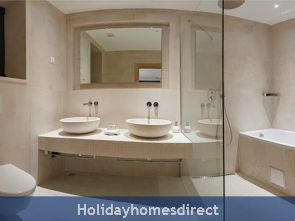 Spectacular 4 Bedroom Luxury Villa With Infinity Pool On Brac Island, Sleeps 8 (bc068): Image 15