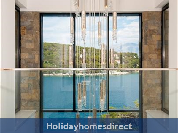 Spectacular 4 Bedroom Luxury Villa With Infinity Pool On Brac Island, Sleeps 8 (bc068): Image 7