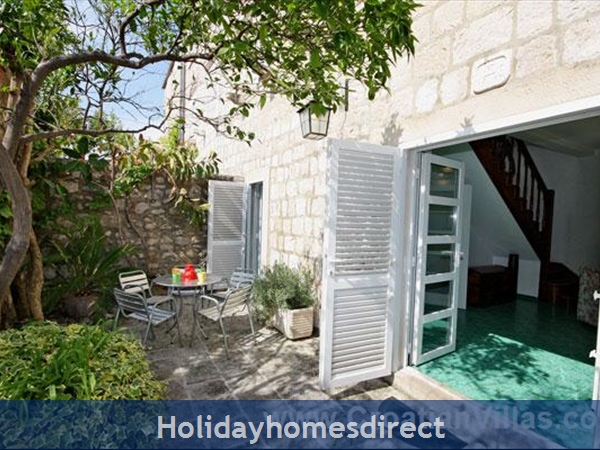 Beautiful Four Bedroom Villa In Cavtat Near Dubrovnik (du001): Image 2