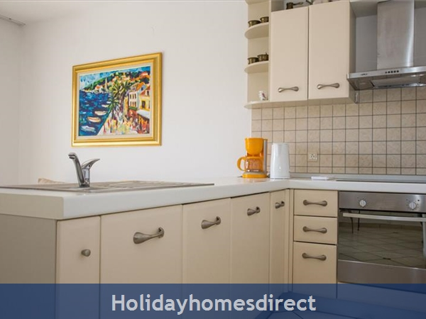 2 Bedroom Villa In Cavtat Near Dubrovnik, Sleeps 4-6 (du028): Image 8