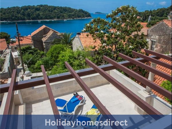 2 Bedroom Villa in Cavtat near Dubrovnik, Sleeps 4-6 (DU028)