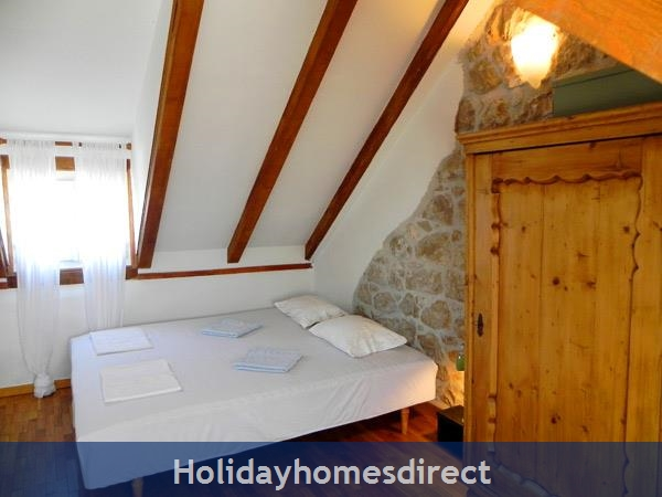 4 Bedroom Villa In Cavtat Near Dubrovnik, Sleeps 8 (du002): Image 4