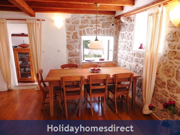 4 Bedroom Villa In Cavtat Near Dubrovnik, Sleeps 8 (du002): Image 8